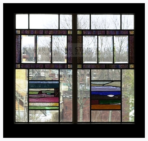 Stained glass window created by Glenn Greene